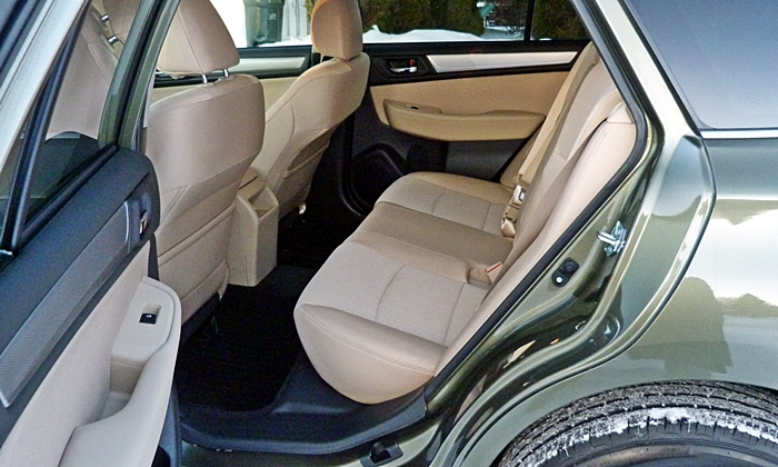 Outback Reviews: Subaru Outback rear seat