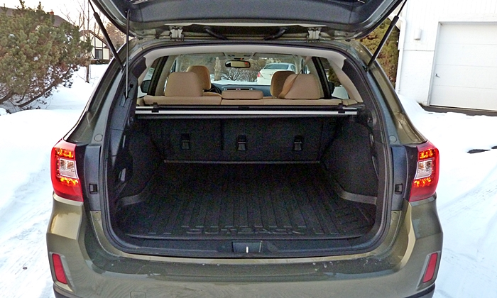 Subaru Outback Photos: Subaru Outback cargo area