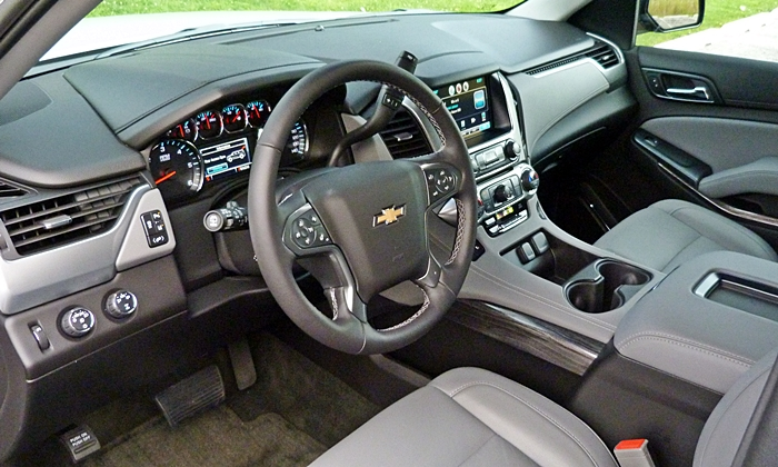 Tahoe / Suburban Reviews: Chevrolet Tahoe LT interior