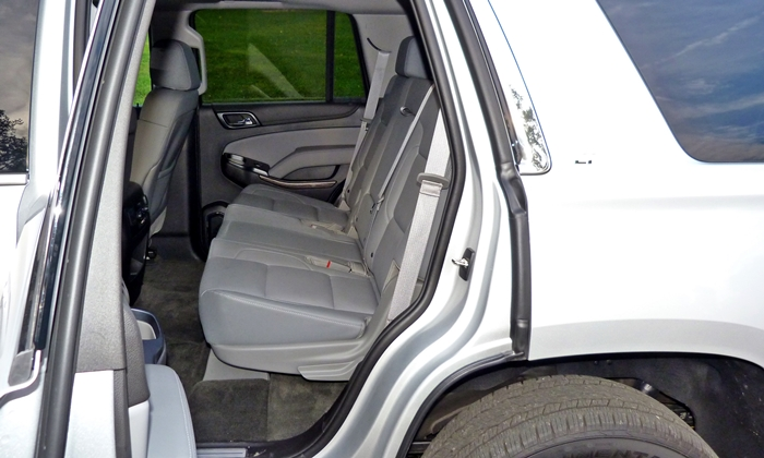 Chevrolet Tahoe / Suburban Photos: Chevrolet Tahoe second row