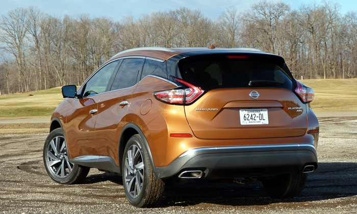 Nissan Murano Photos: Nissan Murano rear angle view
