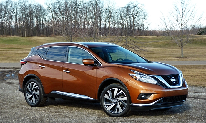 Nissan Murano front quarter view