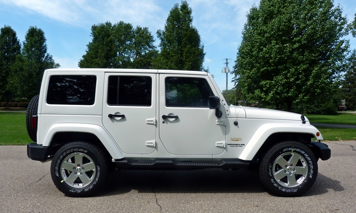 Jeep Wrangler Photos: Jeep Wrangler Unlimited side view