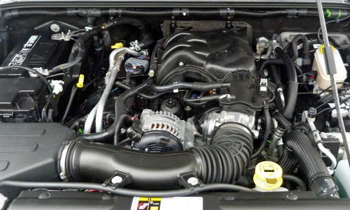 Wrangler Reviews: Jeep Wrangler engine uncovered