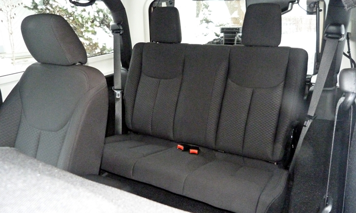 Wrangler Reviews: Jeep Wrangler rear seat