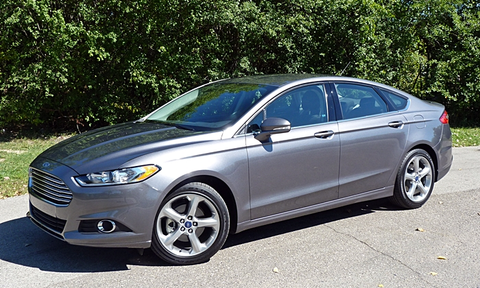 Toyota Camry Photos: Ford Fusion front quarter view
