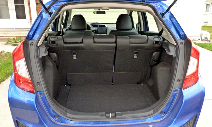 Honda Fit Photos: 2015 Honda Fit cargo area