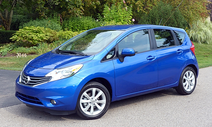 Honda Fit Photos: 2014 Nissan Versa Note front quarter view