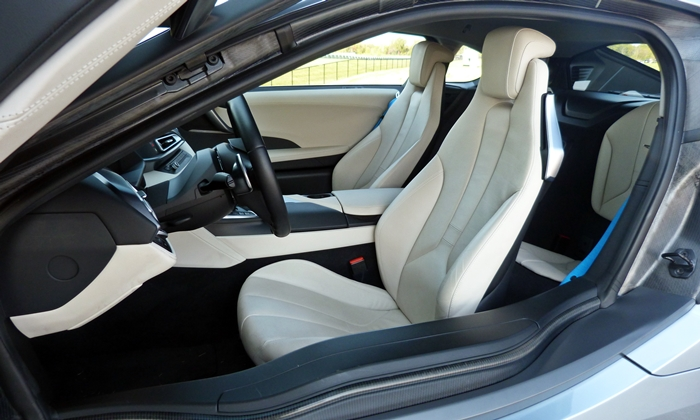 BMW i8 Photos: BMW i8 driver seat