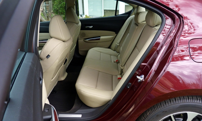 TLX Reviews: Acura TLX back seat