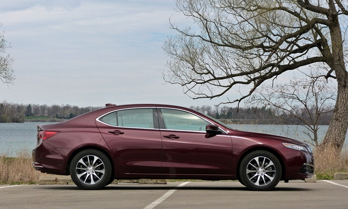 Acura TLX Photos: Acura TLX side view