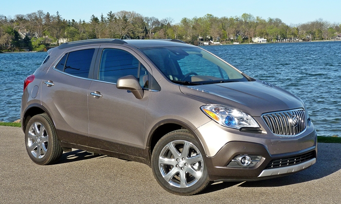 Chevrolet Trax Photos: Buick Encore front quarter view