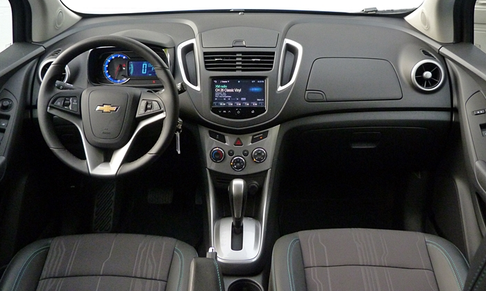 Chevrolet Trax Photos: Chevrolet Trax instrument panel full width