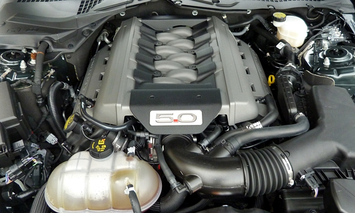 Ford Mustang Photos: 2015 Ford Mustang GT engine