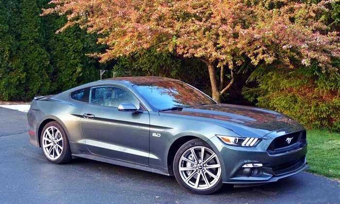 Ford Mustang Photos: 2015 Ford Mustang GT front quarter view
