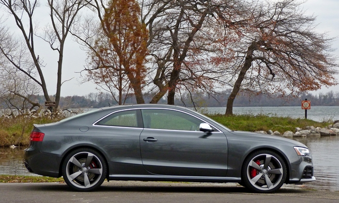 Ford Mustang Photos: 2015 Audi RS 5 side view
