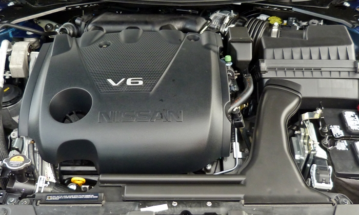 Nissan Maxima Photos: 2016 Nissan Maxima SR engine