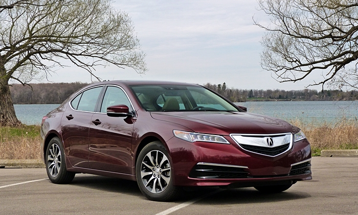 Nissan Maxima Photos: 2015 Acura TLX front quarter view