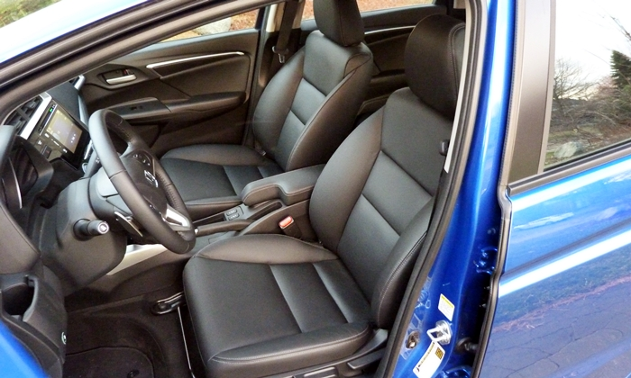 Honda HR-V Photos: Honda Fit driver seat