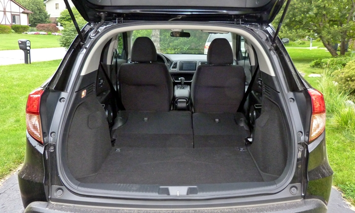 HR-V Reviews: Honda HR-V cargo area seats folded
