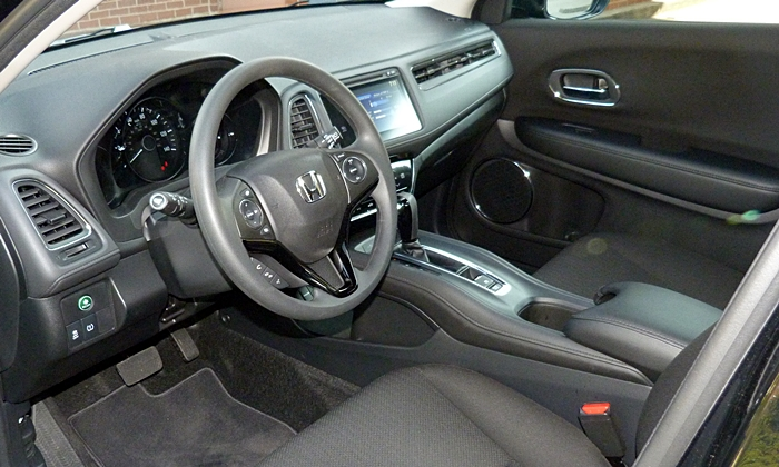 HR-V Reviews: Honda HR-V interior