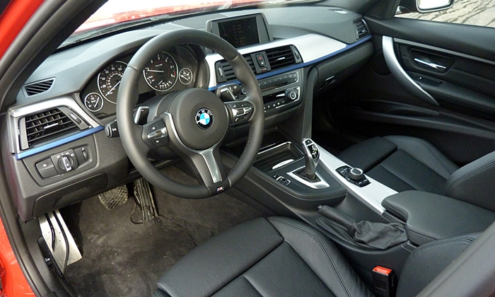 Mini Hardtop Photos: BMW 3 Series interior