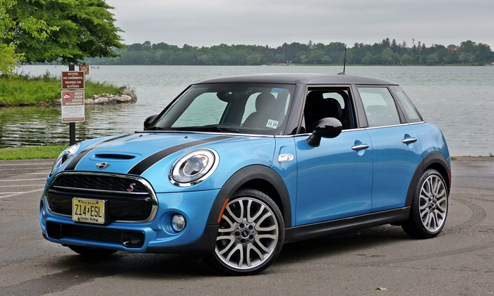Mini Hardtop 4 Door front quarter view