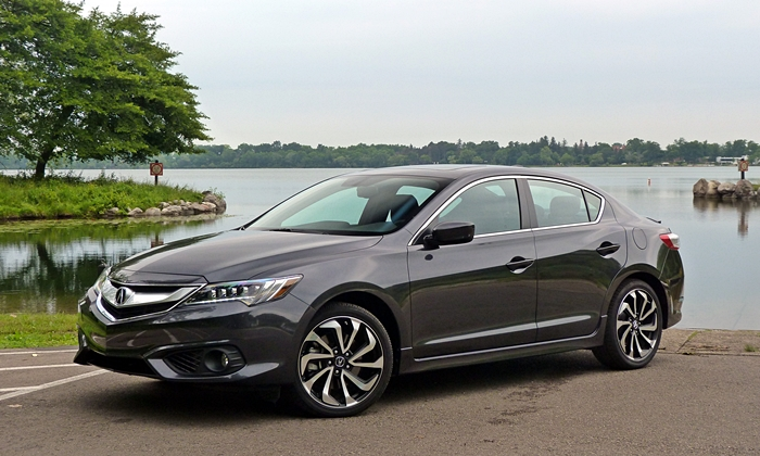 ILX Reviews: Acura ILX front quarter view