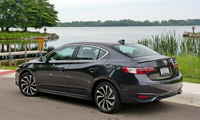 ILX Reviews: Acura ILX rear quarter view