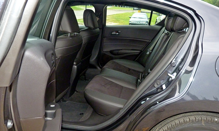 ILX Reviews: Acura ILX rear seat