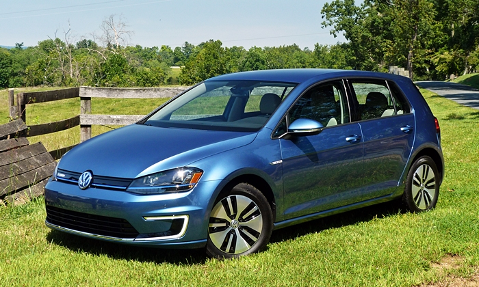 Volkswagen e-Golf front quarter view