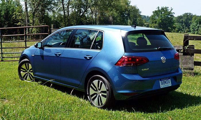 Golf / GTI Reviews: Volkswagen e-Golf rear quarter view