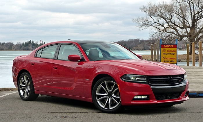 Chevrolet SS Photos: Dodge Charger R/T front quarter