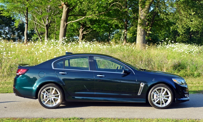 Chevrolet SS Photos: Chevrolet SS side view