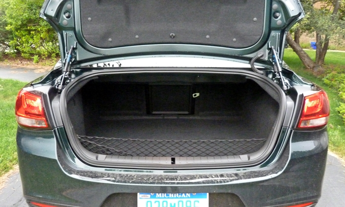 SS Reviews: Chevrolet SS trunk