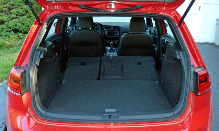 Golf / GTI Reviews: Volkswagen Golf R cargo area seats folded