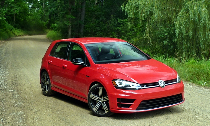 Volkswagen Golf R front quarter view