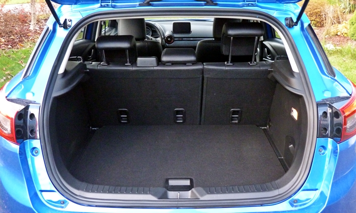 Mazda CX-3 Photos: Mazda CX-3 cargo area