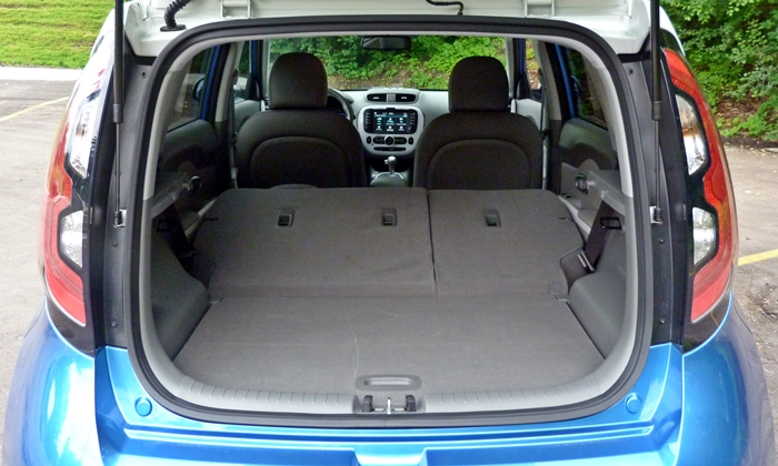 Kia Soul Photos: Kia Soul EV cargo area seats folded