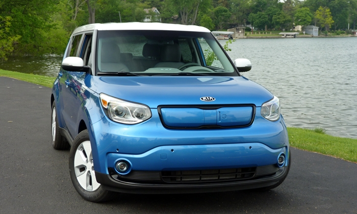 Kia Soul Photos: Kia Soul EV front view