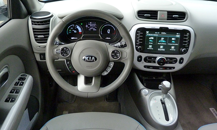 Soul Reviews: Kia Soul EV instrument panel