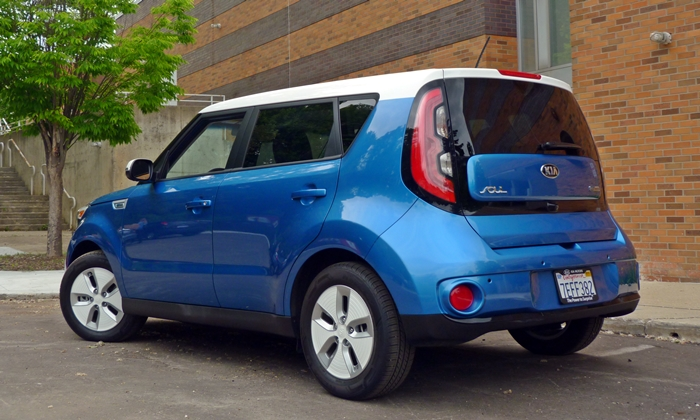 Soul Reviews: Kia Soul EV rear quarter view