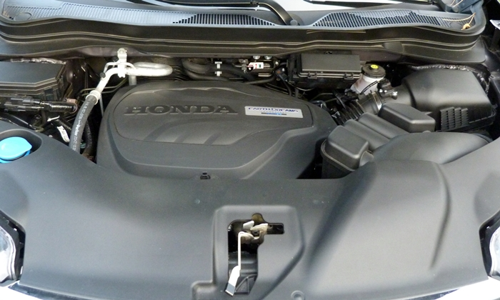 Honda Pilot Photos: Honda Pilot engine