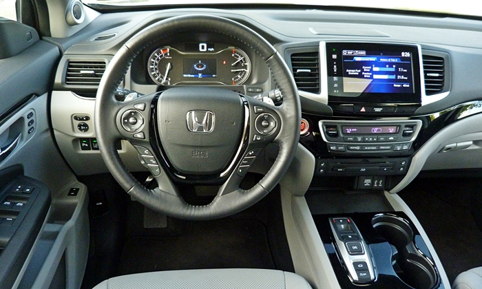Pilot Reviews: Honda Pilot instrument panel