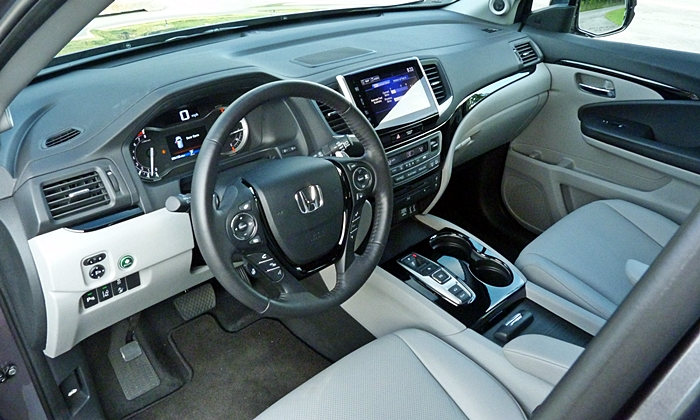 Pilot Reviews: Honda Pilot interior