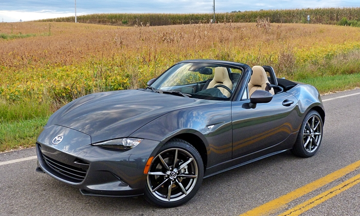 2016 Mazda MX-5 Miata front quarter view