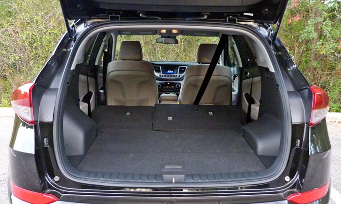 Tucson Reviews: Hyundai Tucson cargo area seats folded