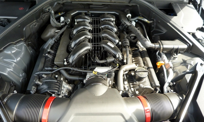 Hyundai Genesis Photos: Hyundai Genesis V8 engine uncovered