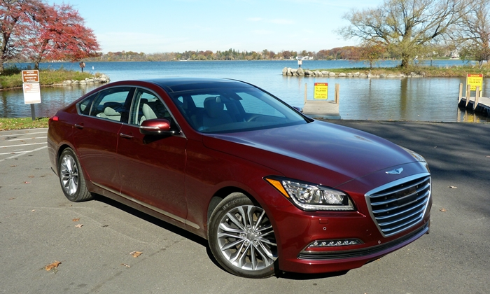 Hyundai Genesis Photos: Hyundai Genesis front quarter view close