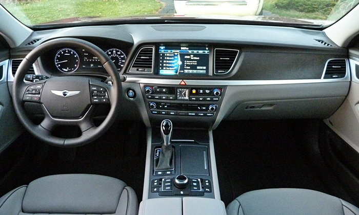 Hyundai Genesis Photos: Hyundai Genesis instrument panel full